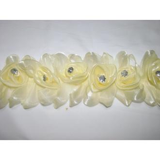Lemovka ruže, jemná smotanová