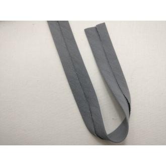 Šikmý prúžok bavlna zažehlený 20mm - Tm. šedý