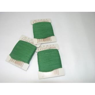 Priadza látacia trávová zelená