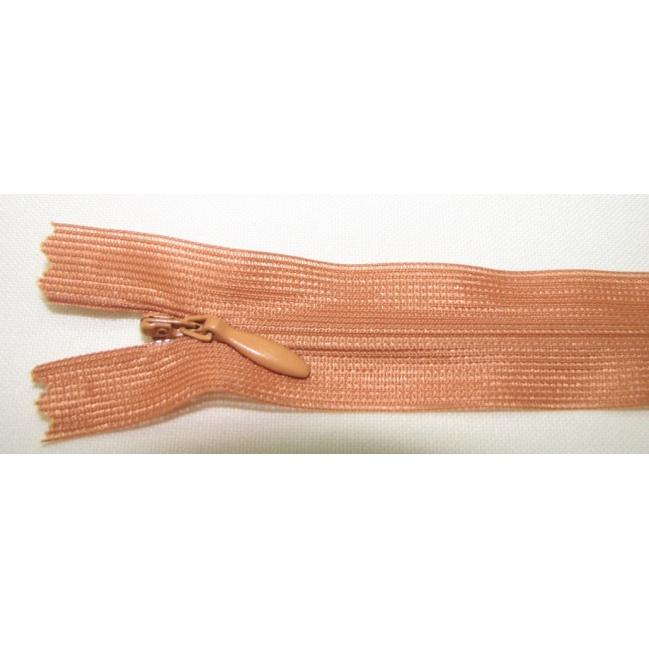 Zips krytý nedeliteľný 20cm bledý škoricový