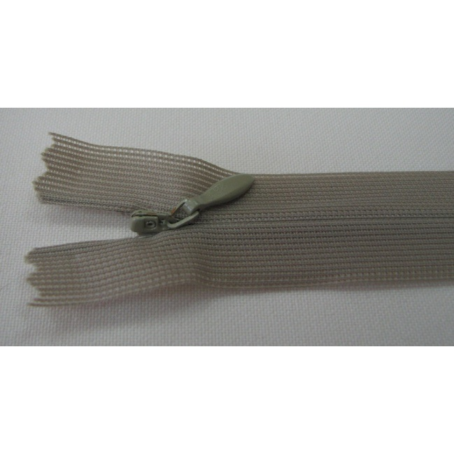Zips krytý nedeliteľný 20cm bledá zelená
