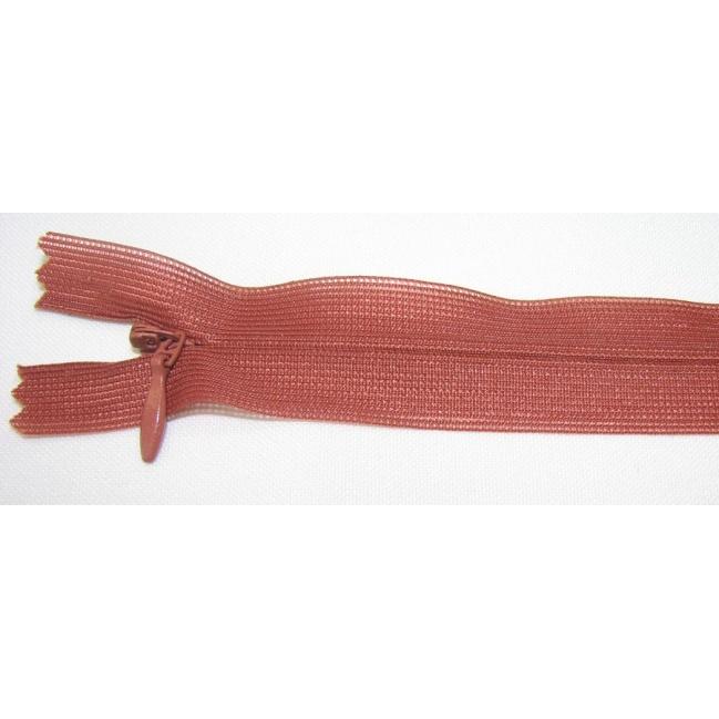 Zips krytý nedeliteľný 25cm škoricový