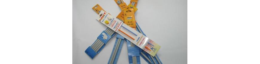 Ihlice na pletenie, háčiky na háčkovanie ,kruhy na vyšívanie a pomôcky